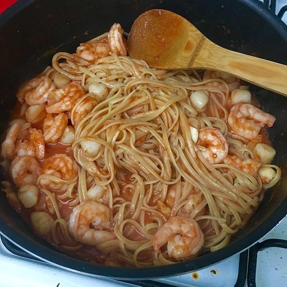 Shrimp And Scallops Linguini @ Tenny's Sweet Home