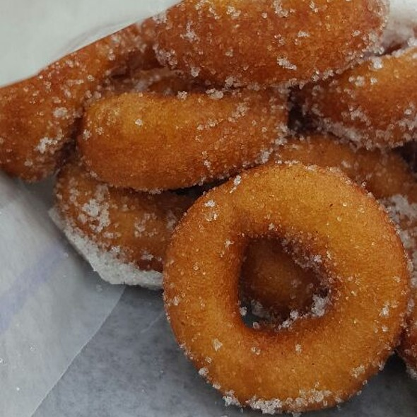 Apple Cider Donuts @ Louisiana Renaissance Festival