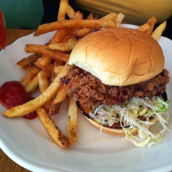 Fried Chicken Sandwich @ Peels