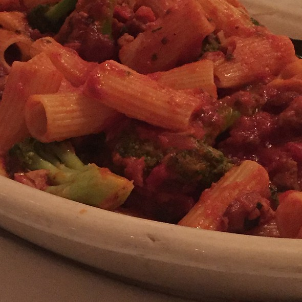 Rigatoni With Sausage And Broccoli @ Carmine's Restaurant