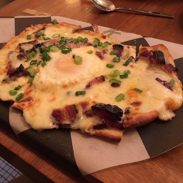 Breakfast Pizza @ Kingside