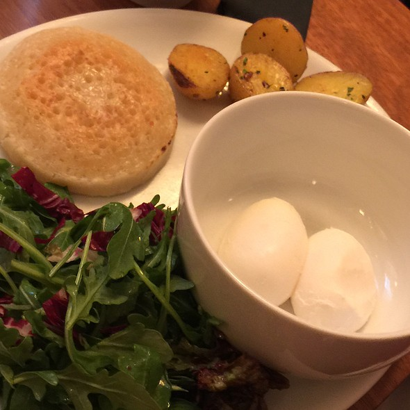 Eggs And Pancakes @ Kingside