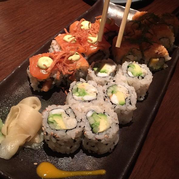 Sushi @ Blue Fin