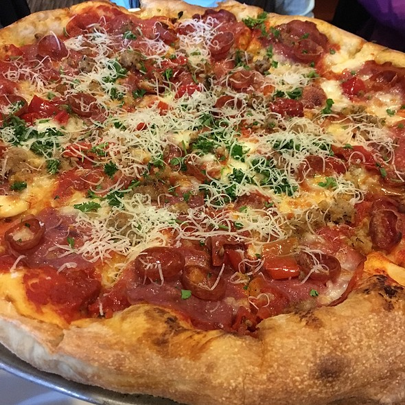 The Italia Pizza @ Farrelli's Tacoma Inc Pizza