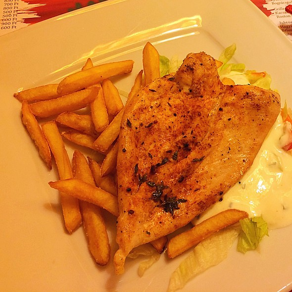 Chicken With Salad And Fries