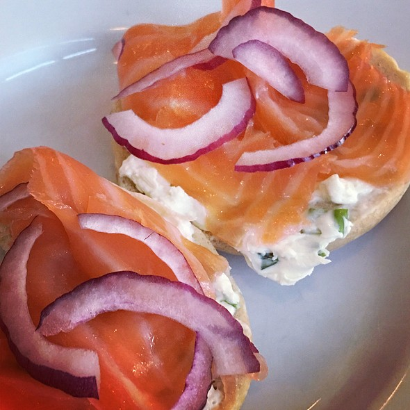 Bagel And Smoked Salmon @ Russ & Daughters