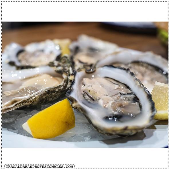Oysters @ Chiringuito De El Señor Martín