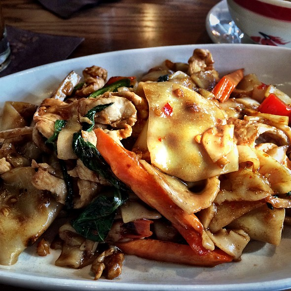 Drunken Noodles @ Sense Of Thai