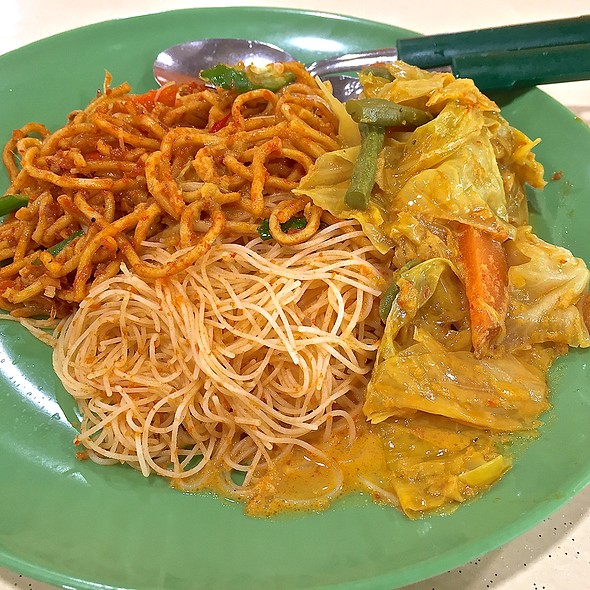 Mee Siam and Mee Goreng @ AMK 722 Food House