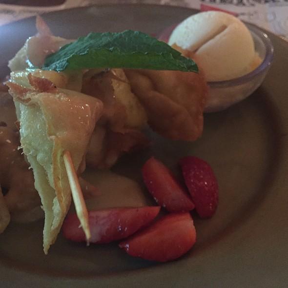 Fried Cream Cheese Wonton And Ice Cream @ Yak And Yeti