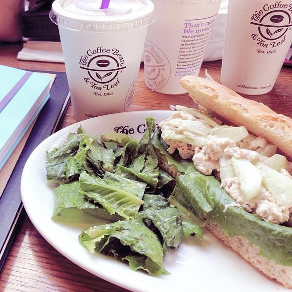 Chipotle Roast Chicken Sandwich @ The Coffee Bean & Tea Leaf, Ayala Terraces
