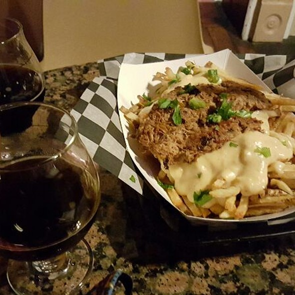 To Die For Fries @ The Avenue Pub