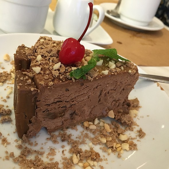 Chocnut Mousse Torte