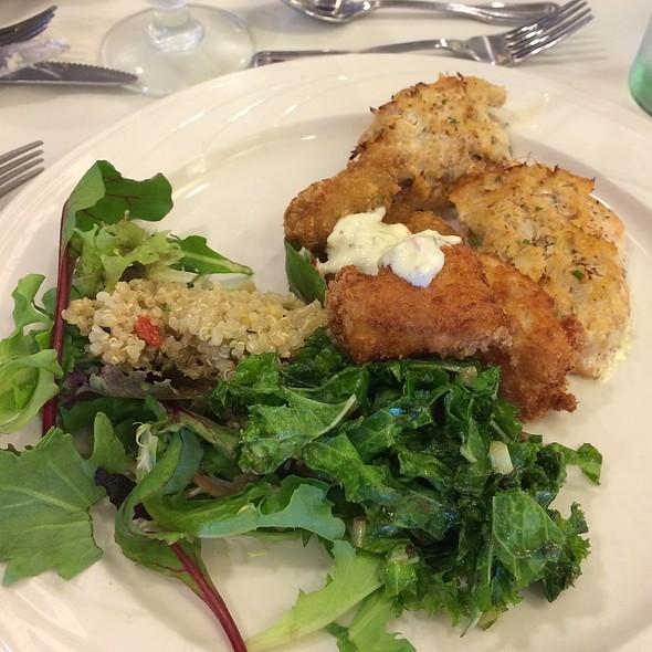 Holiday Lunch Buffet @ Waialae Country Club