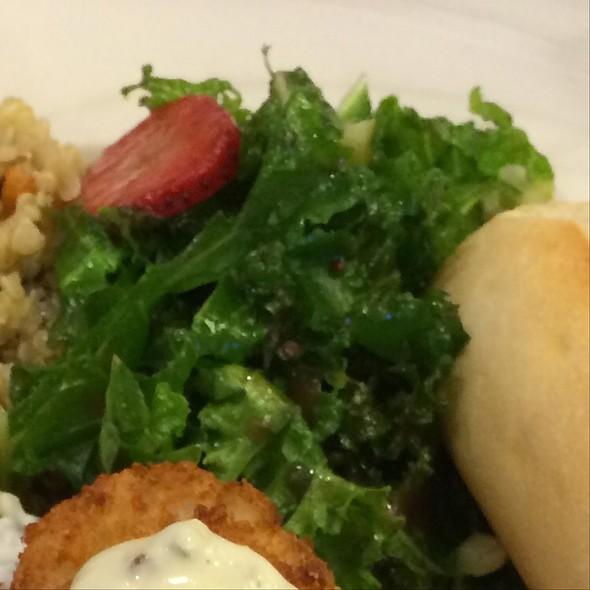 Strawberry Kale Salad @ Waialae Country Club