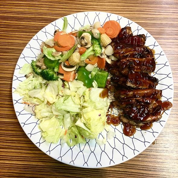 Chicken Teriyaki With Steamed Veggies @ Teriyaki & More