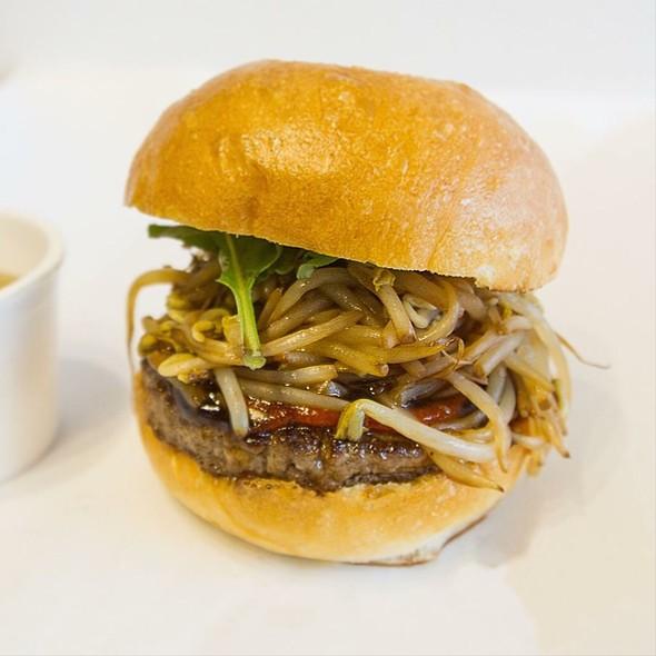 Pho Burger @ Dac Biet Burger