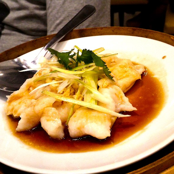 Steamed Fish Fillet with Garlic @ Kanzhu Hand-Pulled Noodles