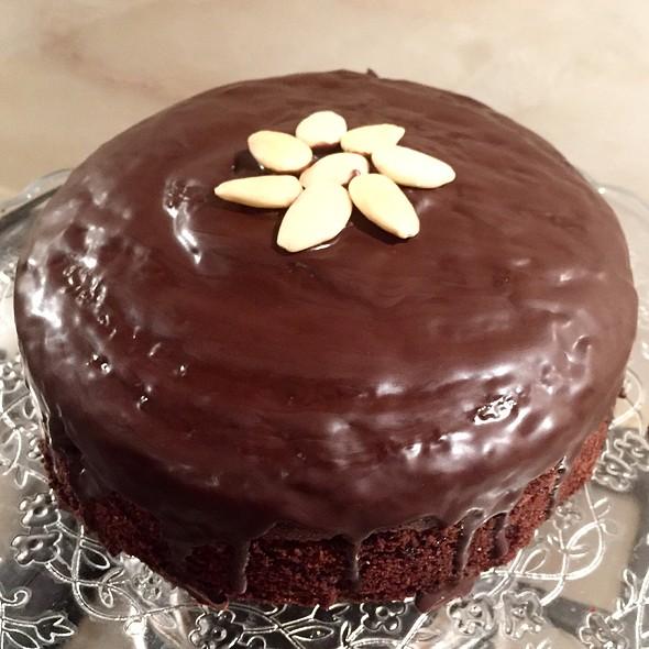 Chocolate Cake @ Home