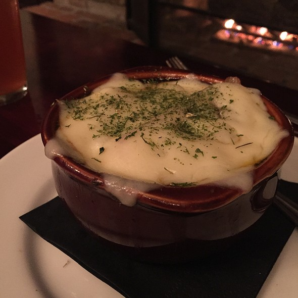 Belgian Ale Onion Soup  - Handles Gastropub, Pleasanton, CA