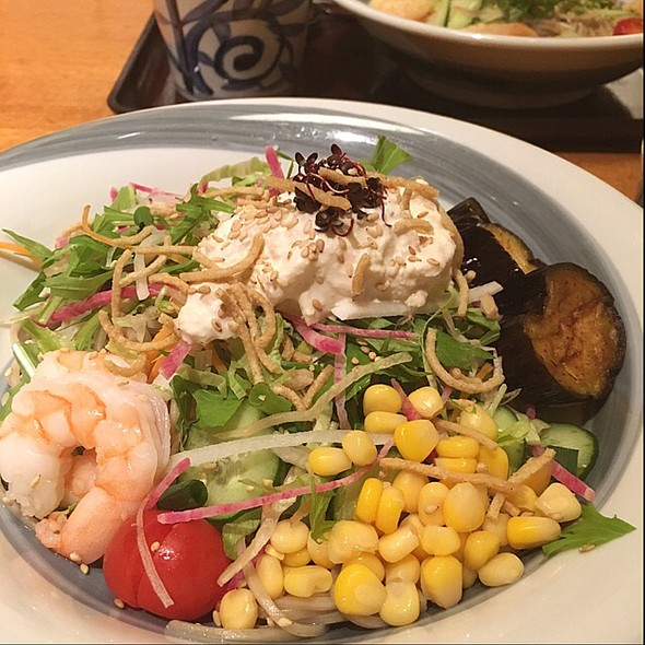 Salad Soba @ 蕎麦酒処 つきじ庵