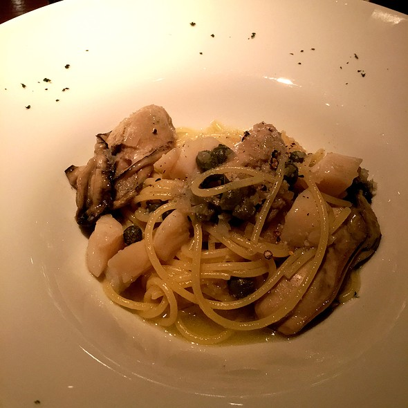 Spaghetti With Oyster Confit @ Bar Veille