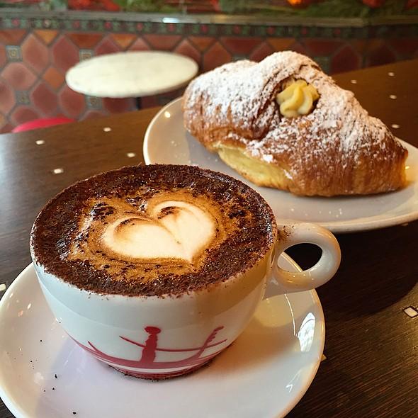 Marocchino @ Cafe Venetia