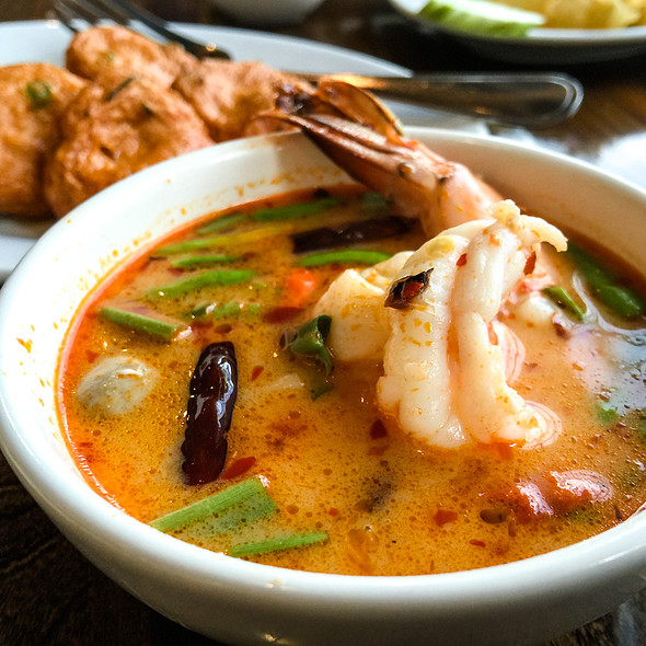 Tom Yum Kung @ Laem Cha-Roen Seafood - Central World Plaza