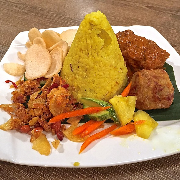 Tumpeng Mini @ IndoChili - Authentic Indonesian Restaurant (Opposite Great World City)