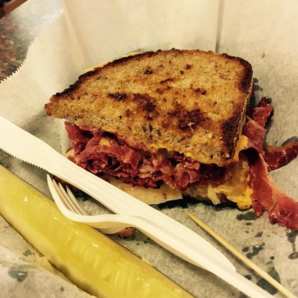 Corned Beef Reuben @ Smallman Street Deli