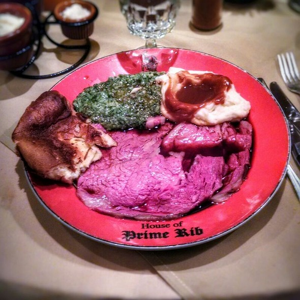 English Cut Prime Rib With Mashed Potatoes, Gravy, Creamed Spinach And Yorkshire Pudding