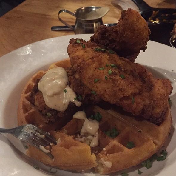 Chicken & Waffles @ Civil