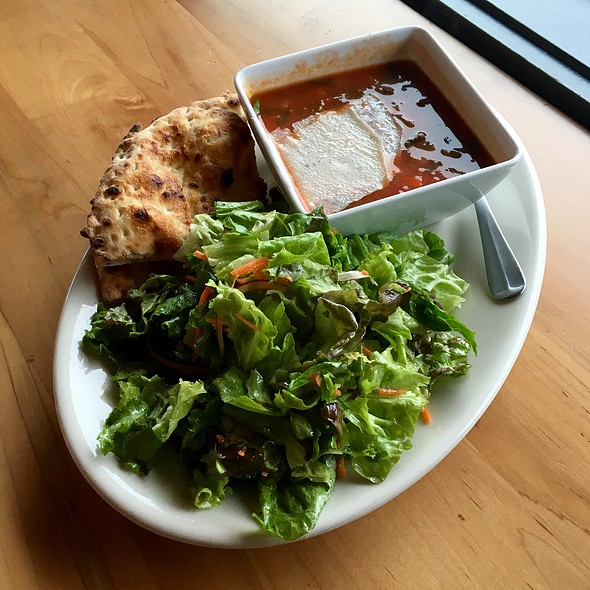 Minestrone Soup With Salad, Flatbread Wedges @ Tutta Bella Neapolitan Pizzaria
