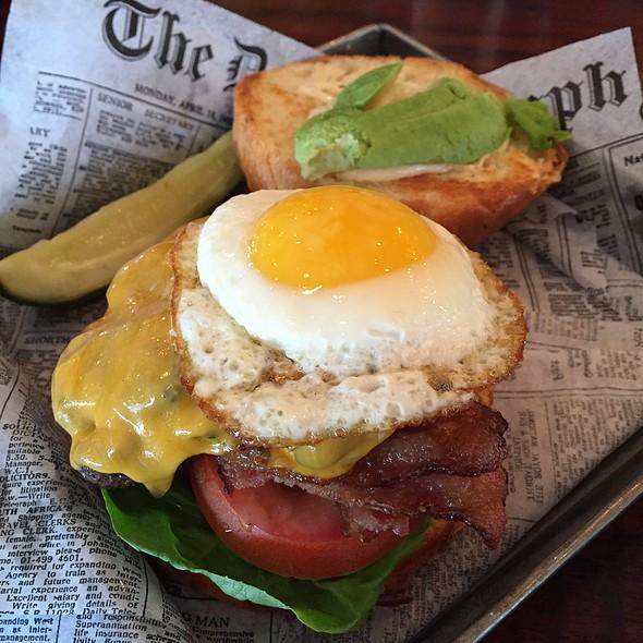 1/2 Lb Breakfast Burger @ Plate 38