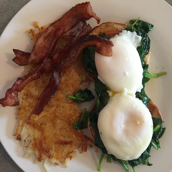 Eggs Benedict Florentine @ Widow Brown's Restaurant