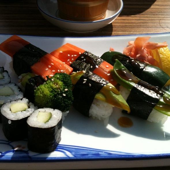 Sushi Set @ Akakiko Japanisch essen mit Pfiff