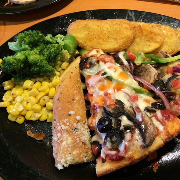 Lunch Buffet Round 2 @ Shakey's Pizza Parlor