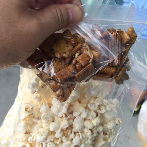Popcorn @ Aloha Stadium