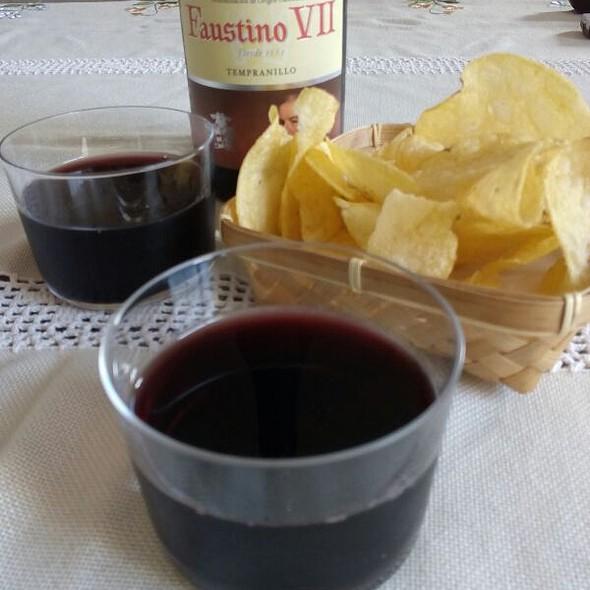 Rioja Y Tapa