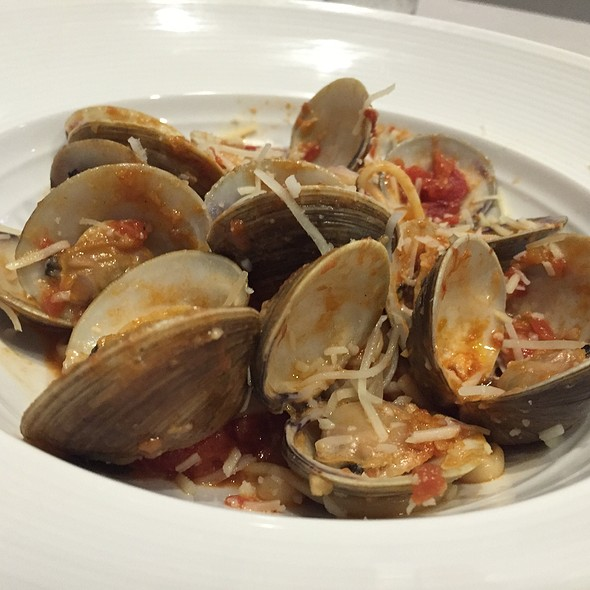 Spaghetti With Clams @ Deep Blu Seafood Grille