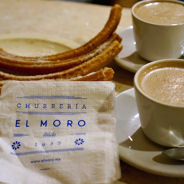 Hot chocolate Francés and churros