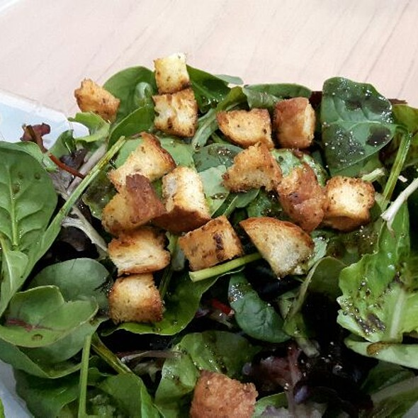 Salad With Homemade Croutons  @ FG's Kitchen