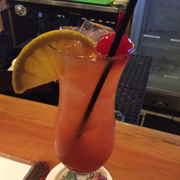Cat 5 Rum Punch @ Guanabanas Grill