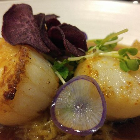 Seared Divers Scallops @ Borgne