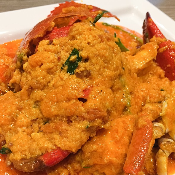 Fried Curry Crab @ Somboon Seafood Central Embassy