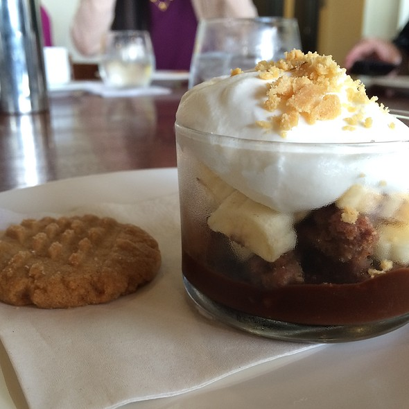 Banana Cream Pie @ MW Restaurant