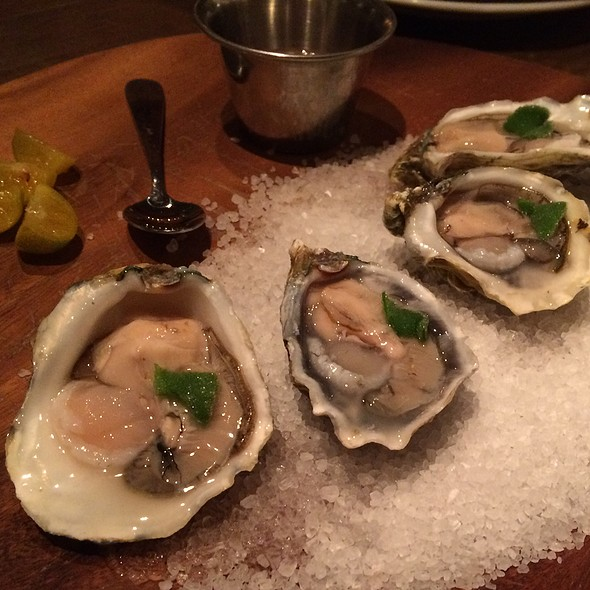 Oysters @ Mud Hen Water