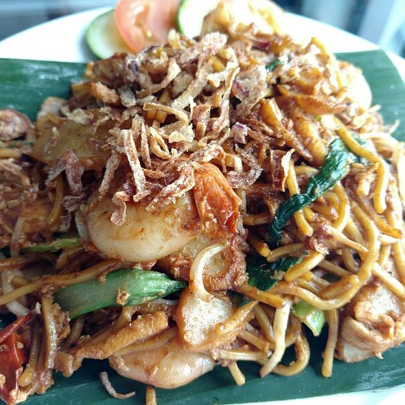 Mee Goreng @ Pan Pacific Singapore