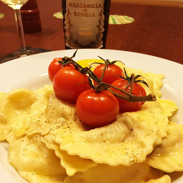 Ravioli With Goat Cheese And Honey @ June's Kitchen In Tenerife