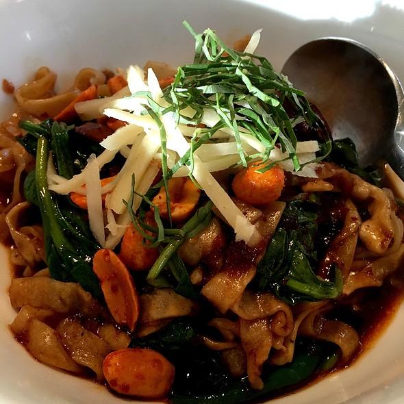 Dandan Noodle